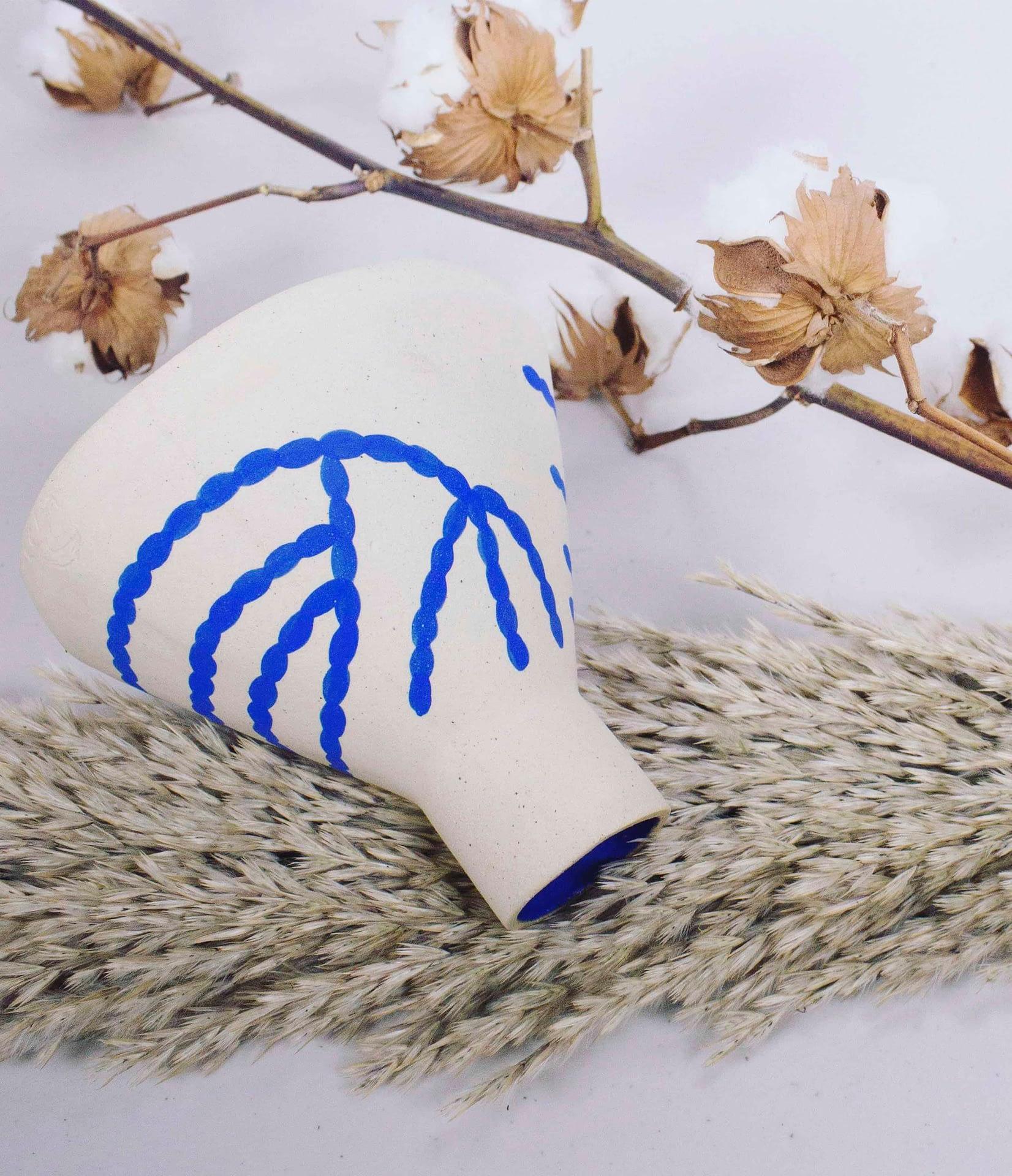 sophie alda coral cone vase